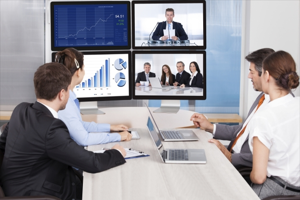 Picture of a small group sales coaching session in virtual classroom setting.